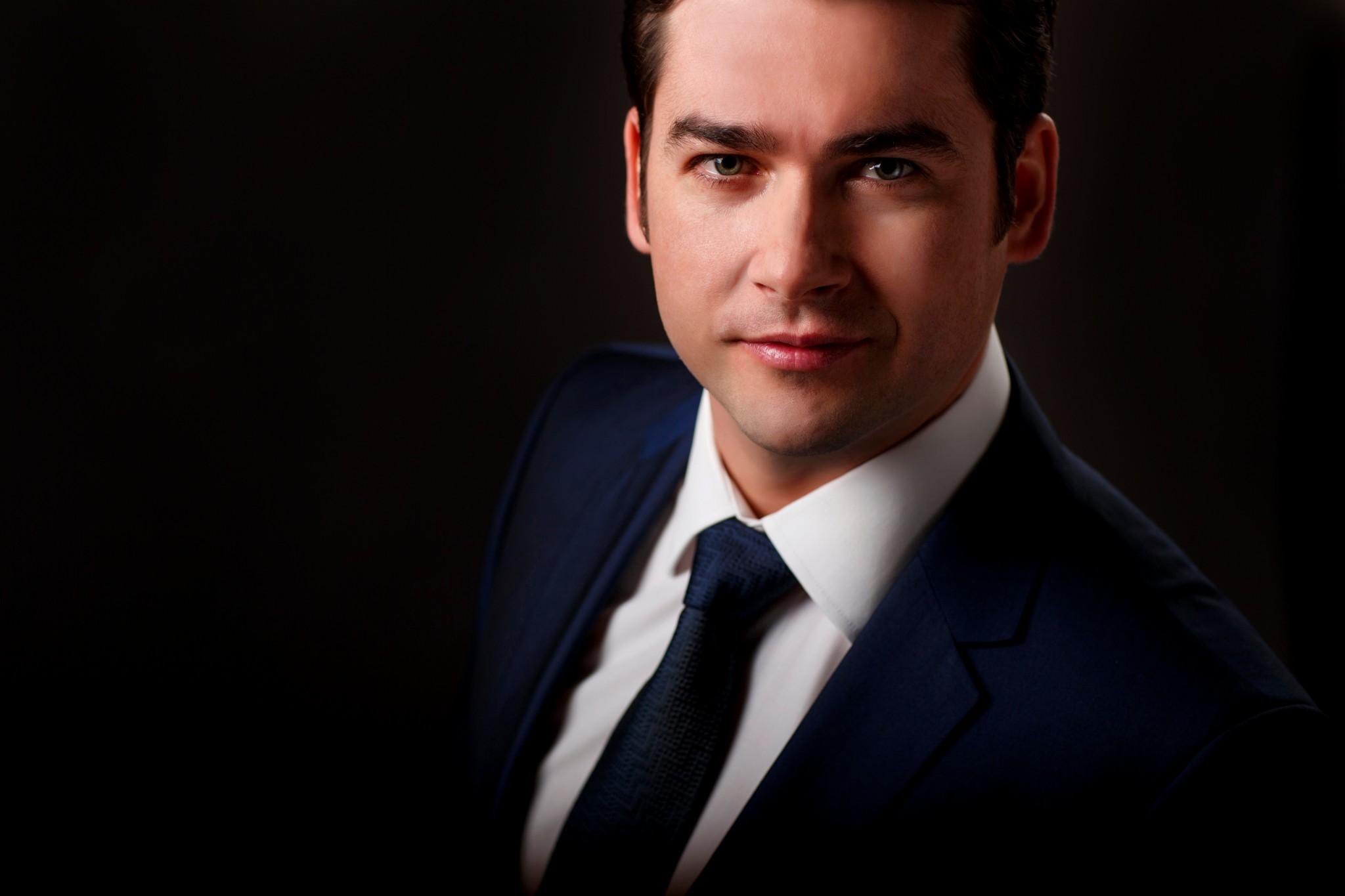 Teodor Ilincal, opera singer 3-16